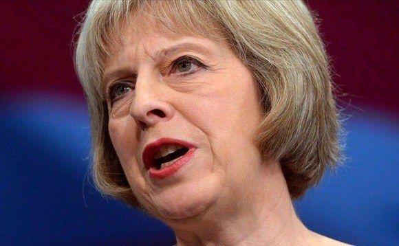 Theresa May atacará a la aplicación de mensajería cifrada Telegram en el discurso de Davos