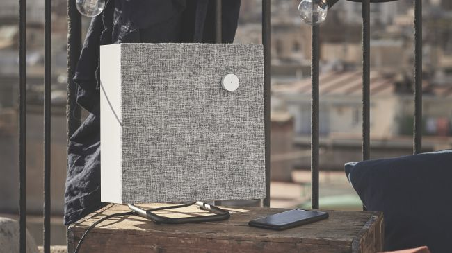 Los altavoces Bluetooth Ikea Eneby se han fabricado para que entren perfectamente en sus estantes Kallax