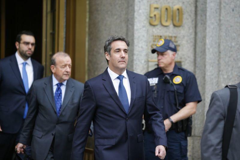 El FBI recupera datos de WhatsApp y Signal de la BlackBerry de Michael Cohen