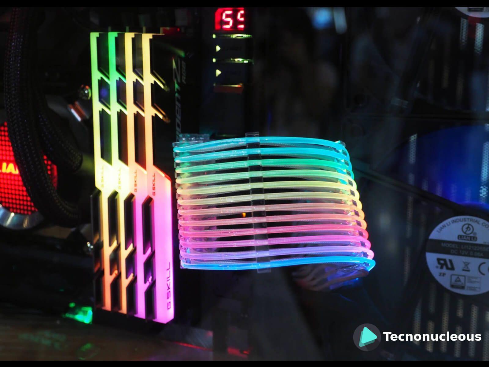 Lian Li lanza cables de alimentación con iluminación RGB: ¿Por qué no?